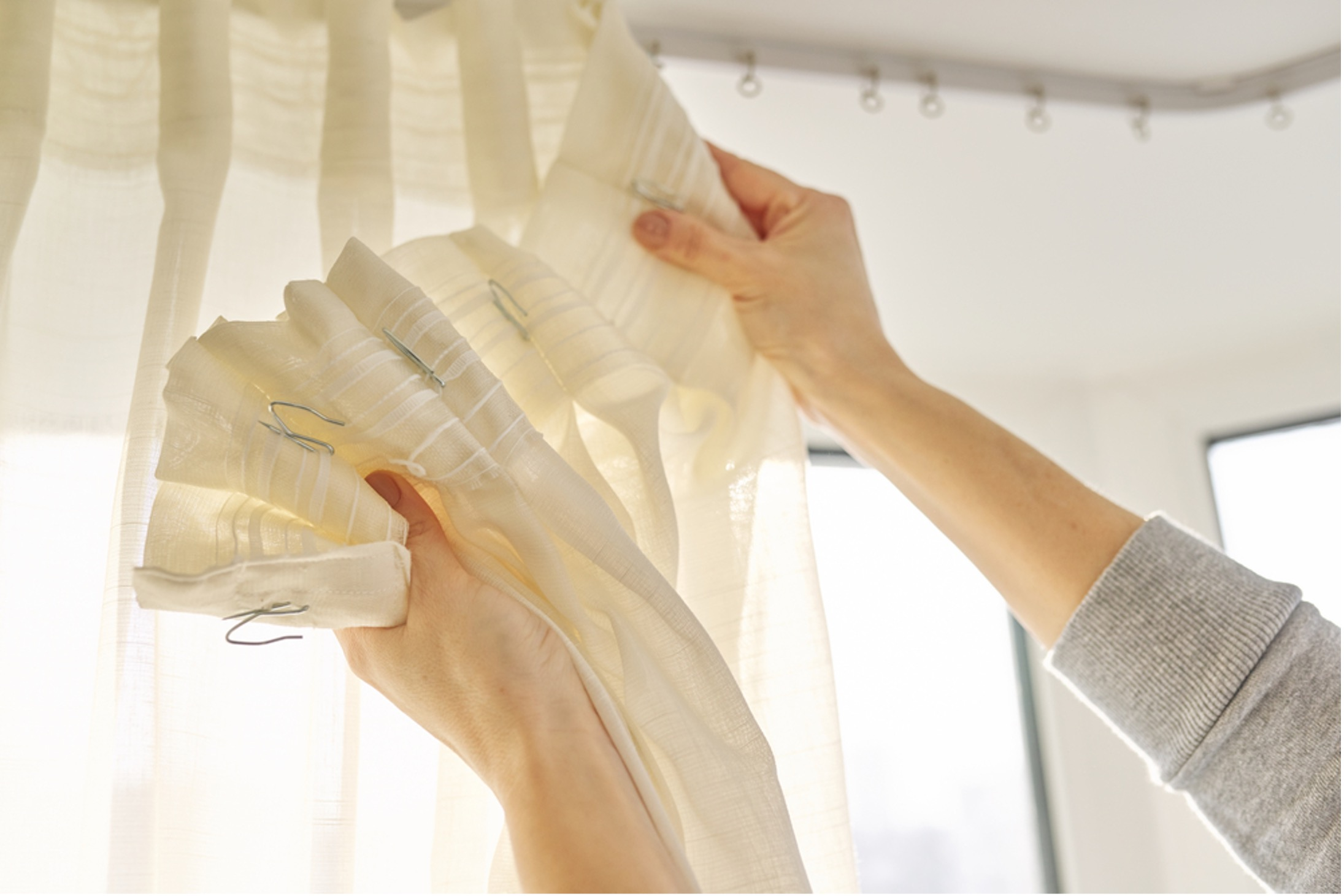 What You Must Know About Curtain Cleaning: Onsite vs Offsite