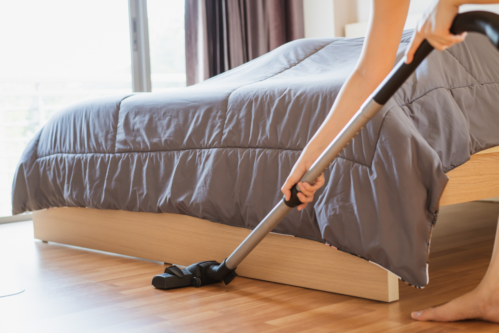 A Must-Read Guide to Decluttering and Cleaning Your Bedroom